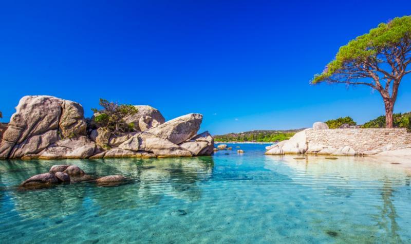Bãi biển Isolella