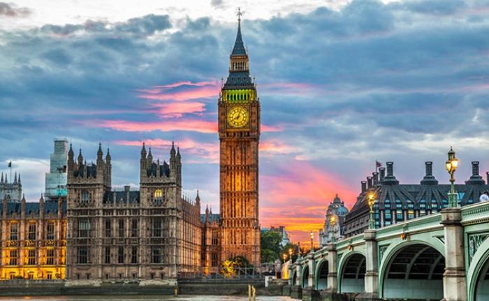 Mộng thấy đi du lịch nhiều nước và đi qua Vương Quốc Anh