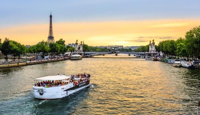 Mơ thấy công ty cho đi du lịch Pháp mang đến cho chủ nhân một điềm báo xấu