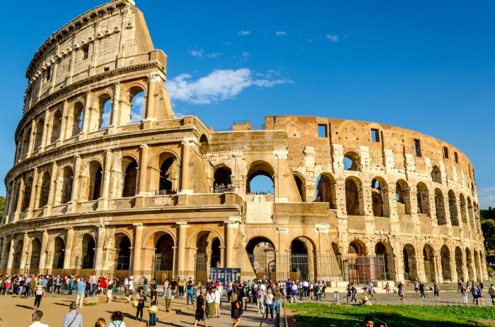 Khi trong mơ bạn thấy cảnh đi thăm quan đấu trường La Mã tại Ý