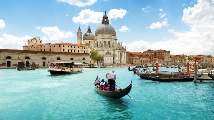 Khi chiêm bao thấy đi du thuyền tại Murano ở Ý đánh ngay và luôn 11 - 66.